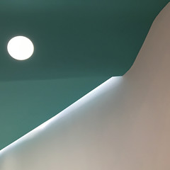 altri mondi... (zecaruso) Tags: palermo forum centrocommerciale luce light lucespot spotlight tetto roof iphone6s zecaruso zeca ze ze² zequadro cicciocaruso