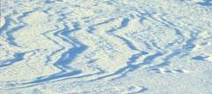 Wind und Sonne formen im Schnee Strukturen (zikade) Tags: schnee struktur wind sonne kistalle eiskristalle schneekristalle reflexionen schatten
