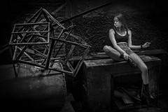Bangkok Girl (♥siebe ©) Tags: 2017 bangkok siebebaardafotografie thai thailand girl portrait blackandwhite monochrome dark black ผู้หญิง กรุงเทพมหานคร