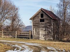 DSC_0220 (Flapweb) Tags: vermont hinesburg barn fence