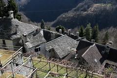 Dorf Loco im Onsernonetal - Valle Onsernone im Kanton Tessin der Schweiz (chrchr_75) Tags: albumzzz201703märz märz 2017 hurni christoph hurni170302 kantontessin tessin südschweiz schweiz suisse switzerland svizzera suissa swiss onsernonetal valle onsernone kanton susise chrchr chrchr75 chrigu chriguhurni