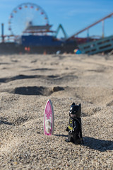 Where is my black bat-surfboard? (Ballou34) Tags: 2016 7dmark2 7dmarkii 7d2 7dii afol ballou34 canon canon7dmarkii canon7dii eos eos7dmarkii eos7d2 eos7dii flickr lego legographer legography minifigures photography stuckinplastic toy toyphotography toys stuck plastic batman dc comics sand beach santa monica usa surf board