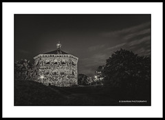 A 17th century beauty 2 (Shahram S) Tags: longexposure nightphotography bridge sky blackandwhite bw monochrome skyline architecture night canon gteborg photo cityscape arch sweden fort outdoor steel gothenburg border sverige bluehour scandinavia oldbuilding skansenkronan redoubt shahram fstning canon24105mm4l canon5dmarkii saghafi shahramsaghafi