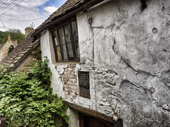 The Ram Inn (Maggie's Camera) Tags: old famous gloucestershire haunted oldhouse dilapidated hauntedhouse wottonunderedge theraminn august2015 rundownruined