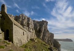 St Govan's Chapel and St Govan's Head (imaginedhorizons) Tags: pembrokeshire stgovanschapel stgovanshead carboniferouslimestone