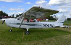 SE-LTK Cessna 172R parked at Vsters/Johannisberg ESSX (Planefan2001) Tags: skyhawk c172 johannisberg c172r essx seltk