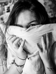 Good Morning 21 (Cadu Dias) Tags: morning light brazil portrait people bw woman hot luz girl monochrome branco brasil female 35mm lens prime book bed bedroom nikon df day natural good retrato mulher grain pb preto bn e brazilian cama 35 dias ritratti manh cadu gro monocromtico feminilidade cadudias cadupdias nikondf