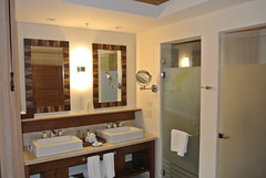 "Bathroom setup • <a style=""font-size:0.8em;"" href=""http://www.flickr.com/photos/99775553@N08/23435286765/"" target=""_blank"">View on Flickr</a>"