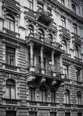 Vienna Archiecture (Blackburn lad1) Tags: austria vienna architecture canon column blackandwhite buildingdetail building monochrome mono dwwg city piller