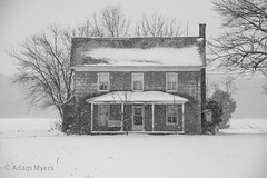 Abandoned Farmhouse House in a Snow Storm (adamkmyers) Tags: oncewashome abandoned house eastern shore delmarva