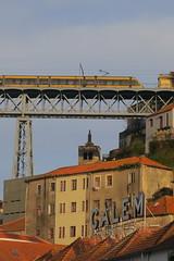 Porto (Metro) (Jean (tarkastad)) Tags: tarkastad portugal tramway tram streetcar strasenbahn lrt lightrail stadtbahn