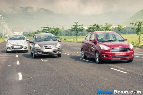 Ford-Aspire-vs-Hyundai-Xcent-vs-Honda-Amaze-vs-Tata-Zest-15