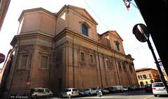 Chiesa del San Salvatore (Paolo Bonassin) Tags: italy churches bologna emiliaromagna chiese santuari bolognaviaivnovembre chiesadelsansalvatore