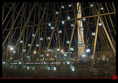 "Les ""Phares"" de l'oblisque (mamnic47 - Over 6 millions views.Thks!) Tags: paris reflets lumires placedelaconcorde pavillons phares photodenuit saintgobain img5915 milneguermont effetsdelumires miseenlumires pavillonssensationsfutures pharescibioscarled anniversairesaintgobain 350anssaintgobain"