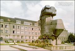 3635 R GDASK Pomnik powicony pamici tych, ktrzy oddali ycie w walce o polsko Gdaska od czasu pamitnej rzezi gdaskiej, dokonanej przez Krzyakw w 1308 r. do wyzwolenia w 1945 r (Morton1905) Tags: 1969 do o w 1988 r fotografia 1945 sr kaw od gdask proj tych pomnik przez sadowski 1308 ycie 3635 gdaska czasu wiesaw wawrzyniec vjerojatno oddali wyzwolenia polsko pamici walce kupila anelka gdaskiej powicony sarnp barwna ktrzy pamitnej rzezi dokonanej krzyakw pietro