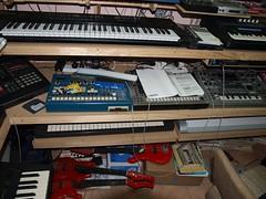 LP158660 (LoxPix2) Tags: boss music studio guitar fender synth roland korg yamaha emu gibson akai novation alesis kawai maudio behringer kurzweil teisco ensoniq tapco rogerlinn loxpix