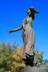 ''O Mirio'' Statue de Mireille aux Saintes-Maries-de-la-Mer (Bouche-du-Rhne) (Charles.Louis) Tags: france statue les rhne provence mireille camargue mistral sculpteur lessaintesmariesdelamer pome frdricmistral merci hrone antoninmerci bouchedu mirio