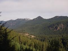 201610214 Cascade Range and Pengra Pass rail route (taigatrommelchen) Tags: 20161042 usa or oregon oakridge mountains cascaderange clouds railway railroad onboard