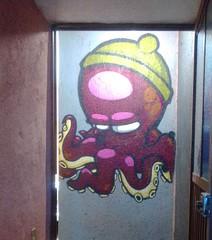 pulparindo (CavOneEjecuta) Tags: pulpo pulparindo octopus kraken cap gorro verde green pasamontañas street streetart art arte graff graffiti graffitimexico cav cavonerpinta cavoner oner one ejecuta juega pinta purple luces light