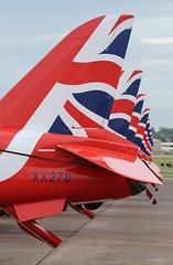 Alignement empennages Red Arrows - Fairford 2016 -0098 mod et rét (vincent.lempereur) Tags: redarrows airshow patrouilleaccrobatique meetingaérien avions fairford riat raf