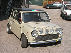 "mini_cooper_1.0_56 • <a style=""font-size:0.8em;"" href=""http://www.flickr.com/photos/143934115@N07/31898048476/"" target=""_blank"">View on Flickr</a>"