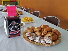 birthday party (maximorgana) Tags: saladitos explorador empanada chips estrellagalicia juanjo banquet birthday party