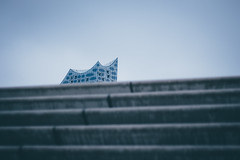 Stairway to... II (freyavev) Tags: elbphilharmonie architecture abstract simple stairs stairway 50mm vsco canon canon700d hamburg germany deutschland depthoffield niftyfifty mikasniftyfifty urban urbandetails minimalism