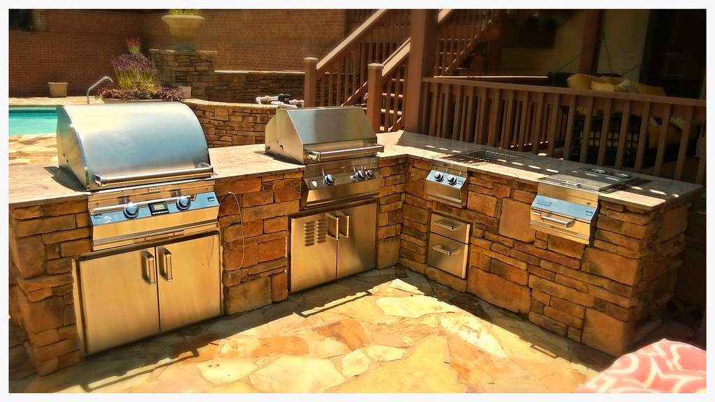 Custom Designed and Built Outdoor Kitchen. Harrison, Tn.
