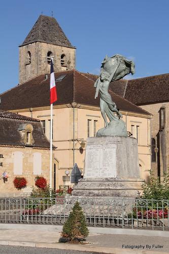 239. Sauveterre-la-Lémance, France. 18-Aug-15. Ref-D113-P239