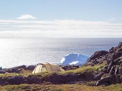 Schlafplatz (~janne) Tags: camping camp ice water wasser tent greenland iceberg eis zuiko zelt kamera omd gl eisberg em1 grönland qeqertarsuaq gewässer diskobay 1240mm diskoisland kitaa diskobucht qeqertarsuuptunua diskoinsel