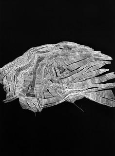 Ruth MORÁN. Tectónica del espacio, 1. 2015. Temple vinílico, rotulador de plata sobre papel.140 x 100 cm