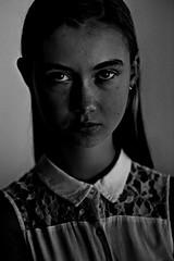 Jorien (Matthieu Verhoeven - Photographer -) Tags: wwwmatthieuverhoevennl portret portrait zwart wit black white low key model modelshoot meisje girl vrouw jong woman young eyes