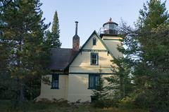 Mendota Lighthouse, October 2016-2 (Invinci_bull) Tags: michigan michigansupperpeninsula michiganskeweenawpeninsula keweenaw keweenawpeninsula upperpeninsula up betegrise mendotalighthouse mendota lighthouse fall