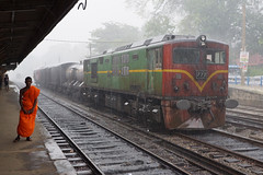 M5 772 Polgahawela Junction (Gridboy56) Tags: srilanka slr buddhistmonk railways railroad railfreight trains train locomotive locomotives m5 m5772 monsoon rain weather