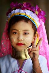 0S1A1405 (Steve Daggar) Tags: thailand chiangmai culture portrait costume longneck karinlongneck hilltribe candid