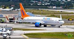 SunWing Airlines (Kensukin) Tags: airplane airbus princessjulianainternationalairport aircraft boeing boeing737 boeing737800 sunwing jetblue