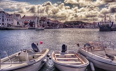 Grundsund, the harbour... (iEagle2) Tags: grundsund film nikon nikon35ti boat harbor sweden swedishwestcoast summer