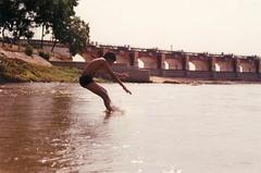 Splash! (Anand Krishnamoorthi) Tags: tamilnadu cauvery kallanai kollidam