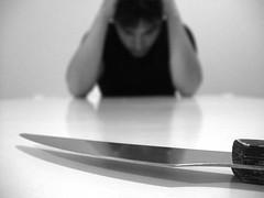 Me corto las venas o me las dejo largas (iii) (DavidGorgojo) Tags: bw death suicide knife bn muerte 100club suicidio cuchillo 50club