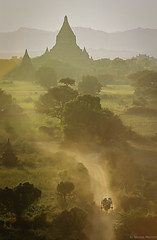Rushing to Shwe-san-daw (nicointhebus (nicolas monnot)) Tags: travel sunset travelling 2004 landscape temple scenery asia southeastasia burma buddhist buddhism myanmar bagan nicointhebus fivestarsgallery