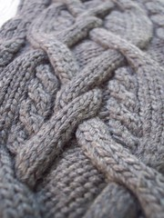 28-row cable (hitbyabus) Tags: knitting