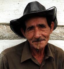 Abuelito (Nicote) Tags: old portrait brown white man film bravo smoke cuba cigar tabac analogue tabak kuba abuelo cigarillo tobaco cigaro
