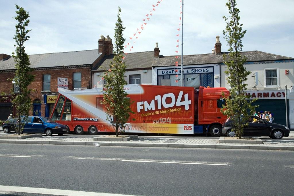 FM104 MOBILE STUDIO