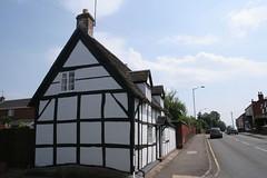 Studley, Warwickshire (Tudor Barlow) Tags: houses england streetscene villages warwickshire studley