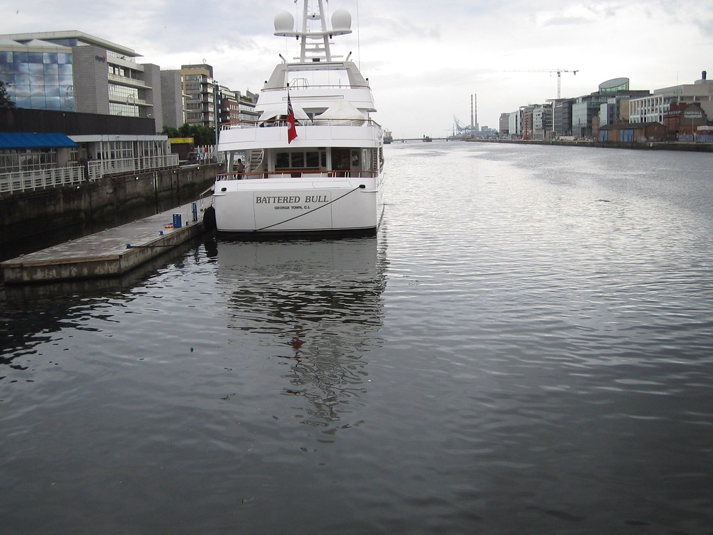 PRIVATE CRUISER ON THE LIFFEY