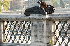 Escape (nightflymemories) Tags: italy rome roma danger freedom fly italia escape homeless ponte volo pontesangelo castelsangelo tevere lungotevere pericolo libert fuga difficolt desideriodinonadeguarsi identitautentica sopralesbarre fotodelmese200608romamor