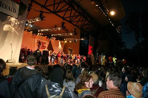 end of the 2006 calgary folk festival