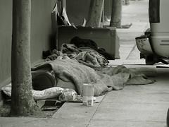Homeless sleeping on the sidewalk (Franco Folini) Tags: poverty sanfrancisco california ca street sleeping blackandwhite usa america photography us photo strada foto sony homeless poor streetlife sidewalk creativecommons fotografia sdf biancoenero streetpeople clochard povertà pobreza immagine bluxome homelessness barbone pauvreté marciapiede sanspapiers dscf707 senzatetto poors senzacasa poveri francofolini senzafissadimora sansdomicilefixe folini creativecommonsattributionsharealike