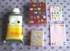 Q-Lia Kawaii Stationary & Pouch (toriloveskitty) Tags: cute japan nice pouch kawaii really qlia painttube letterset tinycafe