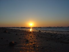 DSC07406 (Iigo Jimnez) Tags: sunset boats atardecer andalucia cadiz puestadesol andalusia barcas sanlucardebarrameda sanlucar 060824